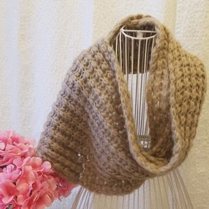 Grey/Beige? Knitted infinity scarf